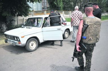 """Переселенцы из Донбасса: """"Каждый хлопок напоминает автоматную очередь"""""""