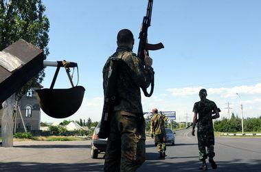 Террористы пытаются сгруппироваться, чтобы выраваться из окружения - Селезнев