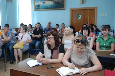 Крымские предприниматели поднимают цены из-за дорогих российских товаров