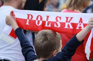 Польша приостановила работу генконсульства в Донецке