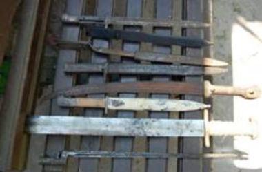 Двое украинцев торговали оружием Второй мировой войны