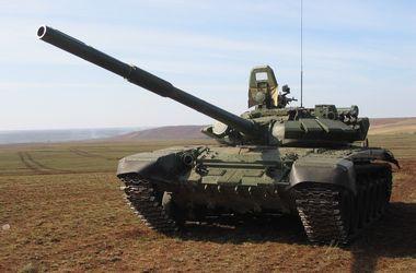 Под Снежным идет бой с танками, которые ночью пересекли границу – СМИ