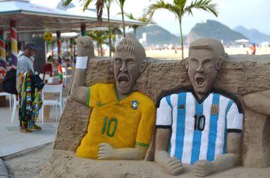 Наш блоггер в Рио посидел в кресле Месси и повстречался с Пеле и Марадоной