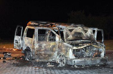 В результате взрыва возле Донецкой ОГА погибли три человека