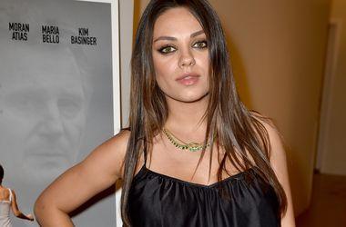 Актриса Мила Кунис разрешила Катчеру присутствовать на родах