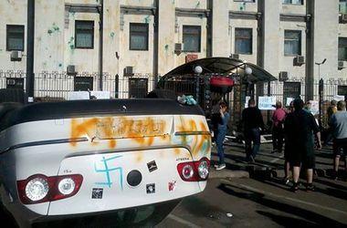 Госдеп США осудил нападение на посольство РФ в Киеве