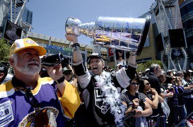 В Лос-Анджелесе прошел парад чемпионов в честь победы в Кубке Стэнли