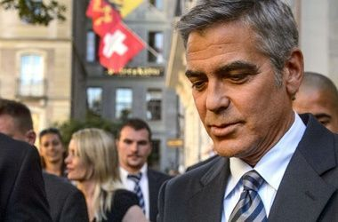Джордж Клуни устроил сюрприз для своей одноклассницы