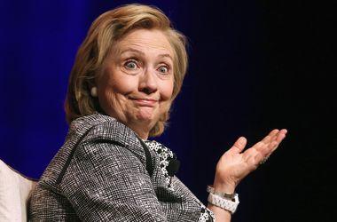 Клинтонов заподозрили в уклонении от уплаты налогов