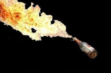 В Харькове через забор военкомата бросили бутылку с зажигательной смесью