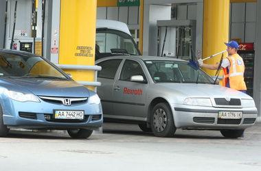 Почему в Украине не дешевеет бензин