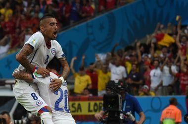 Чемпионы мира испанцы первыми покидают турнир
