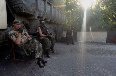 Жители целого села стали заложниками боевиков