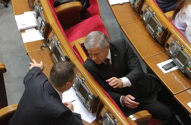 Депутатская группа Кинаха поддерживает назначение Яремы и Климкина, а по Гонтаревой - определяется