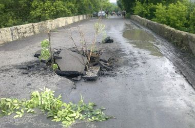 В Донецкой области подорвали мост