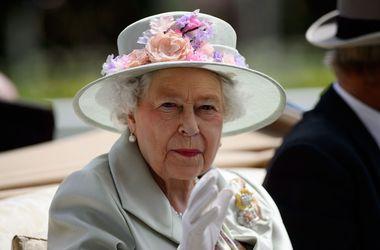 """Королева Елизавета II побывает на съемках """"Игры престолов"""""""