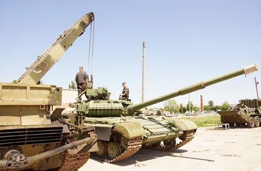 Бригады завода им. Малышева будут ремонтировать военную технику на передовой зоны АТО