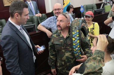 Второе заседание Киеврады: Кличко ушел, а депутаты ругались и спали