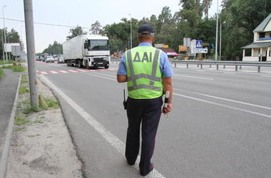 В Киеве поймали водителя-взяточника