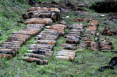 Под Киевом нашли минометную мину и артснаряды