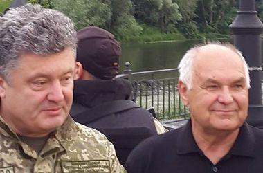 Порошенко прибыл на Донбасс в штаб АТЦ Нацгвардии
