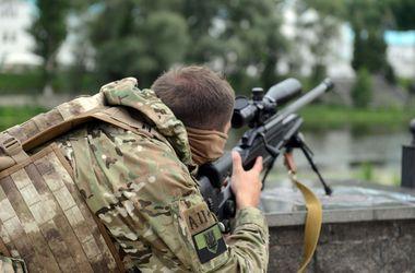 """Командир """"Азова"""" убежден, что прекращение огня - это стратегическая ошибка"""
