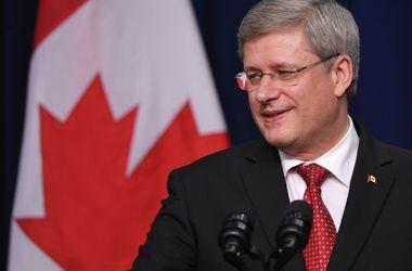 Канада  поддержала мирный   план   Порошенко и ввела санкции против 11  граждан Украины и  России