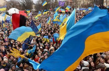 В центре  Киева на вече собралось около 2 тыс. человек
