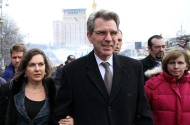 Украинский народ вдохновил  мир своей революцией - посол США