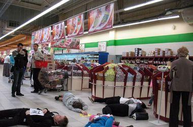 В Харькове устроили лежачий бойкот против российских товаров