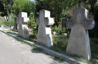 """Киевские власти рассказали, что сделают с """"бесхозными"""" мертвецами"""