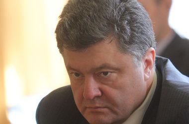 Во время перемирия террористы убили одного и ранили семерых военных – Порошенко