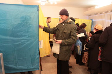Выборы в Донбассе предлагают провести осенью