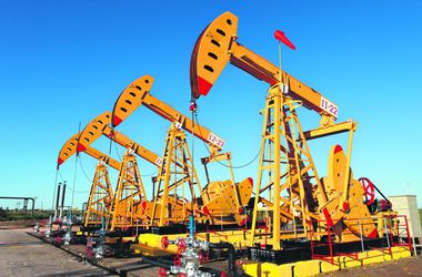 США впервые за 40 лет смягчает запрет на экспорт нефти