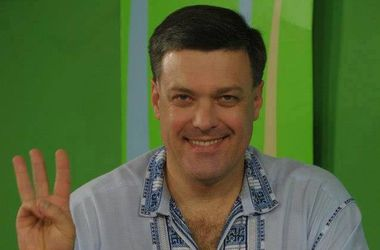 Тягнибок выступает за военный призыв депутатов и отправку их на фронт
