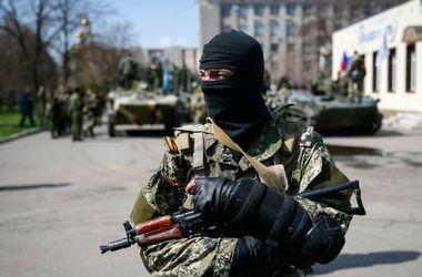 В Донецке террористы завладели оружием управления охраны железной дороги