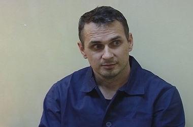Михалков просит Путина освободить украинского режиссера Сенцова, обвиняемого в терроризме
