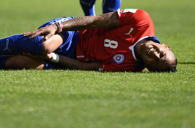 Бразильский пресс-атташе ударил чилийского форварда во время матча 1/8 финала