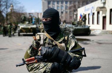 Террористы в Луганске активизировались: 2 военных погибли, 8 ранены