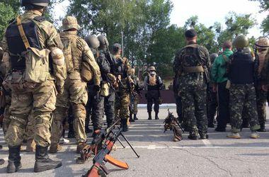 Силы АТО обезвредили засаду террористов в Луганске