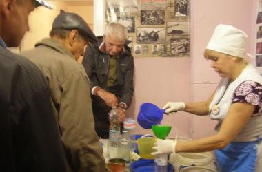 Вегетарианские обеды из трех блюд для переселенцев, а также вечера для одиноких в Днепропетровске