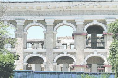 Гостиный двор в Киеве может рухнуть