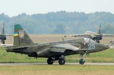 """Террористы пытались из зениток сбить самолет """"Су-25"""" - спикер АТО"""