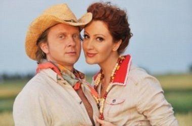 Муж Снежаны Егоровой Антон Мухарский подает на развод