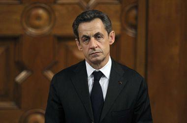 Саркози остался без адвоката и вынужден защищаться самостоятельно