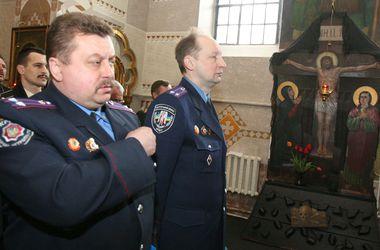 Кабмин привлечет священников для поднятия боевого духа в украинской армии
