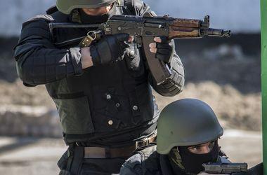 Силы АТО захватили арсенал оружия и боеприпасов, перевозимый колонной боевиков
