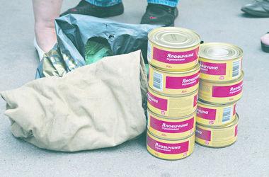 В Киеве торговали тушенкой, которая предназнчалась для солдат АТО