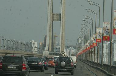 В Киеве на выходных перекроют Южный мост