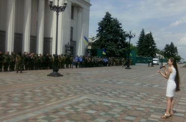 """Для бойцов батальона """"Донбасс"""" спели Гимн Украины"""